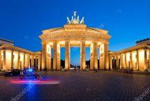 depositphotos_8814102-stock-photo-panorama-brandenburg-gate-at-night